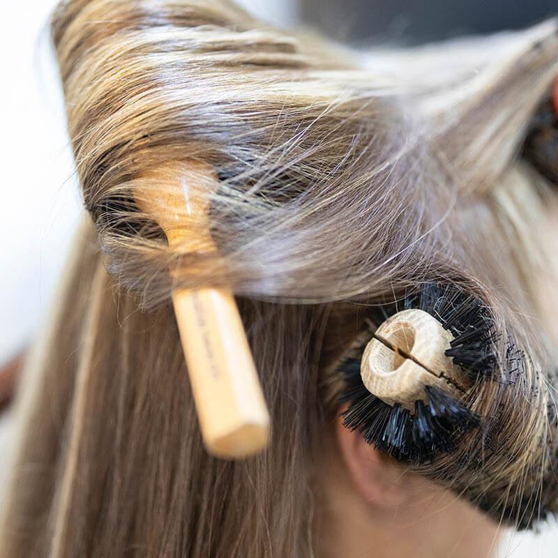 מברשות ואביזרי שיער
